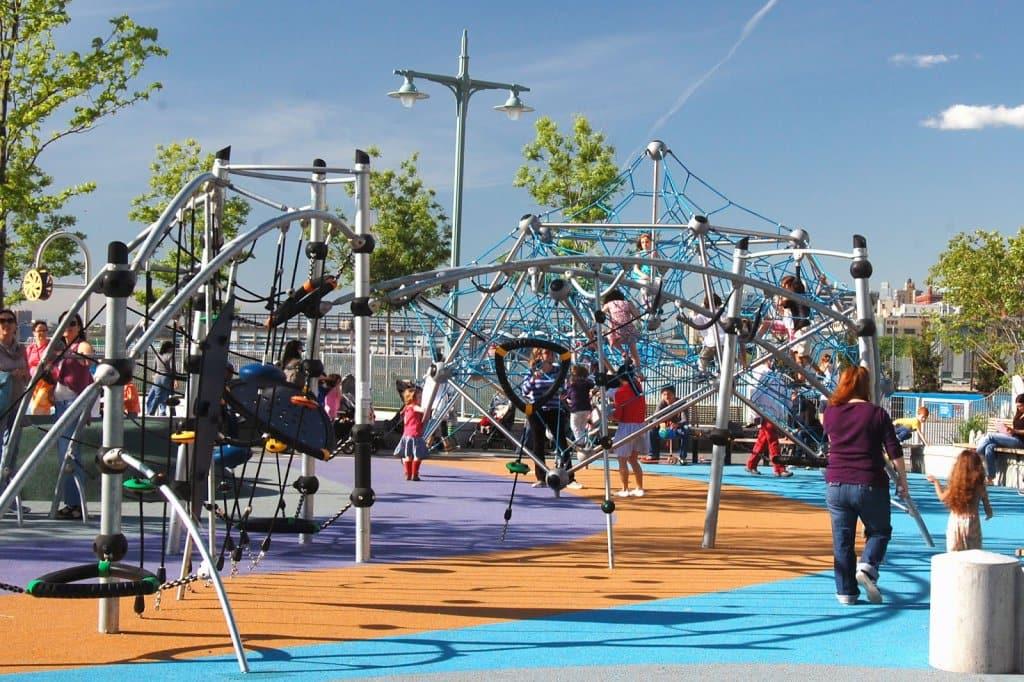 Área de Lazer infantil Chelsea Waterside Park