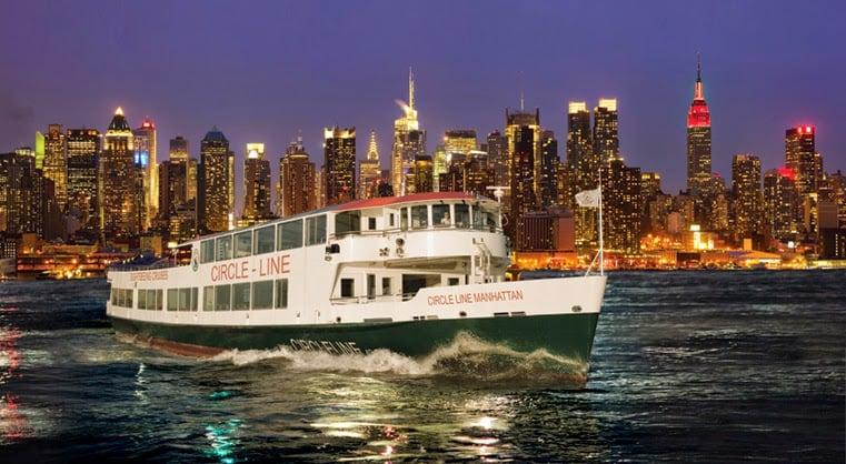 Passeio de barco Harbor Lights Cruise em Nova York