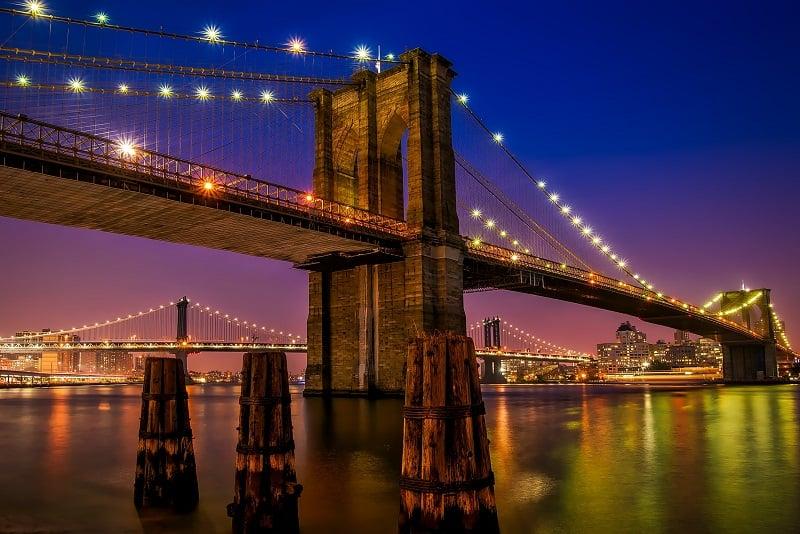 Atravessar a Brooklyn Bridge