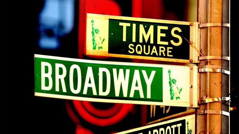 Cruzamento Times Square e Broadway