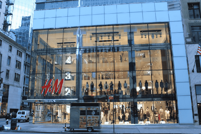 Lojas acessíveis na Quinta Avenida em Nova York