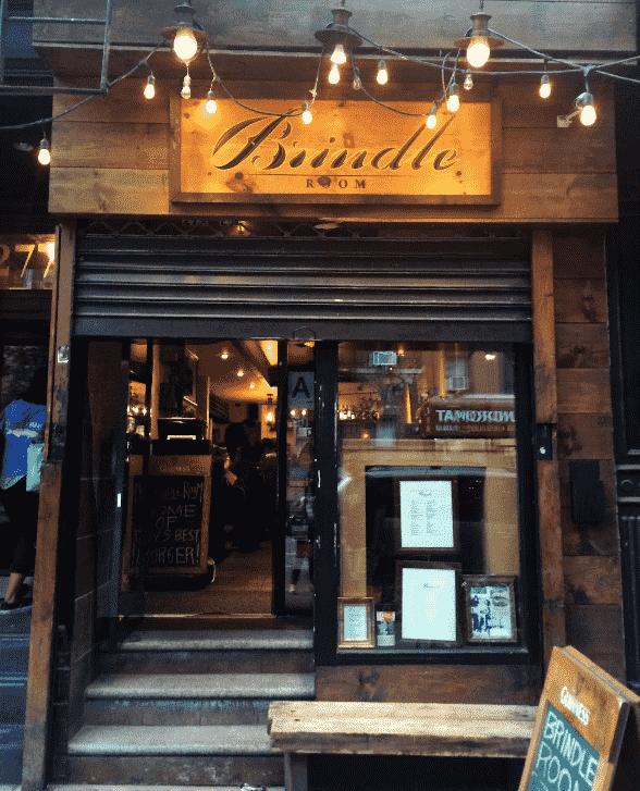 Restaurante Brindle Room em Nova York