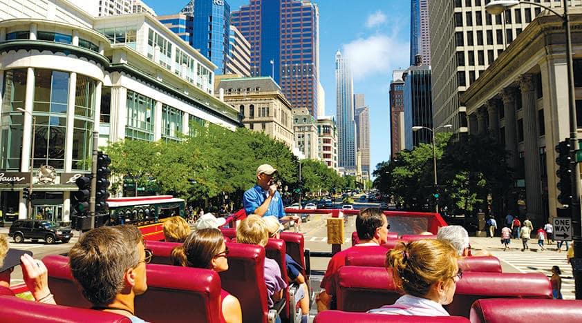 Andar de ônibus turístico em Chicago