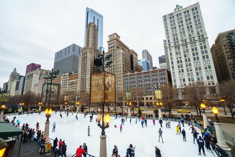 Pista Ice Skating in Millennium Park em Chicago